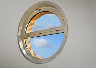 Navello finestra legno omero oblò