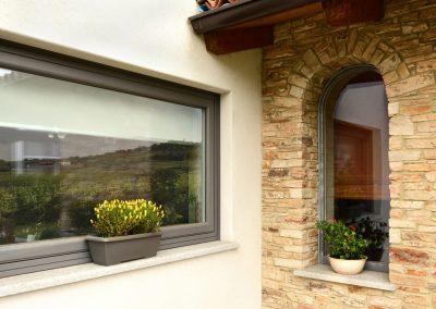 Navello finestra legno alluminio nuvola apertura a bilico