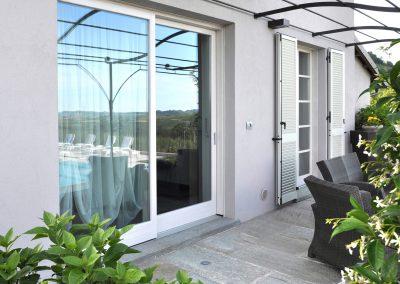 Navello finestra legno novecento scorrevole bianca